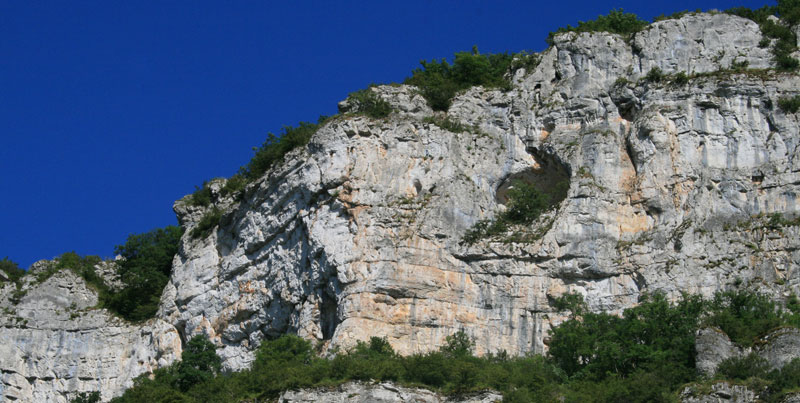 cliff at Marcilhac-sur-cele