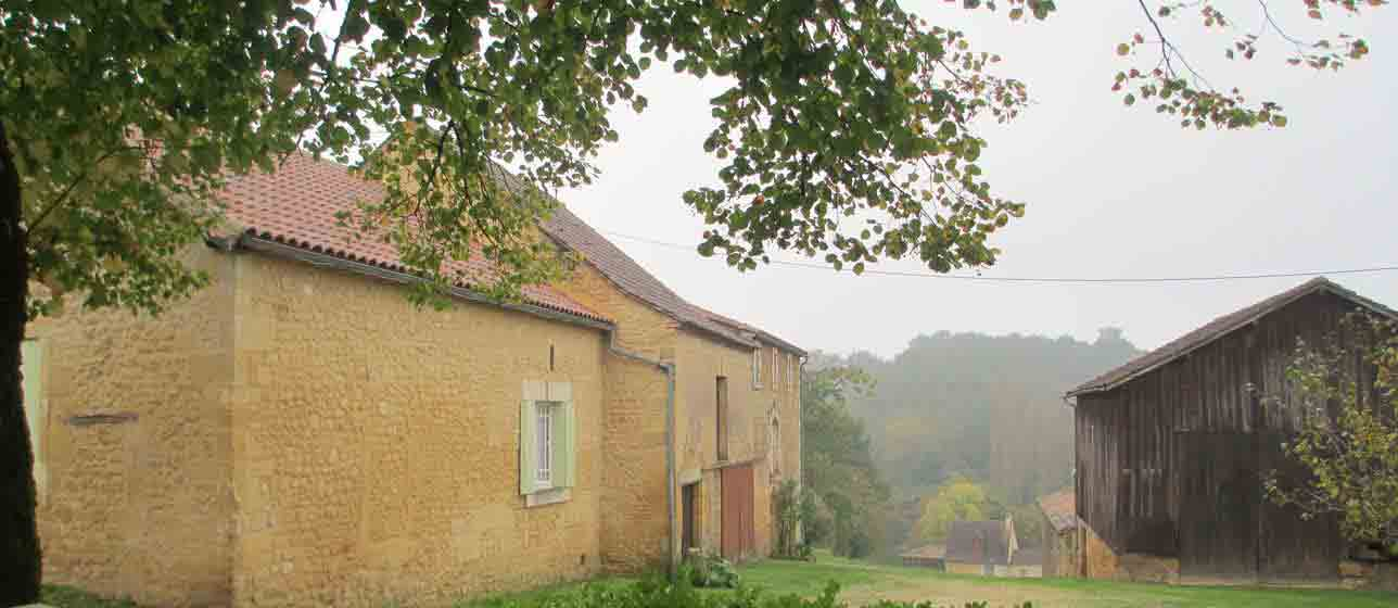 back view of gite in dordogne for painting holidays