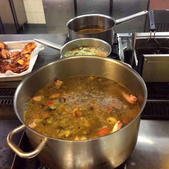 boullion pots pans